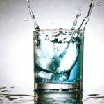 L'eau en boîte ne conduit jamais à une alimentation plus saine